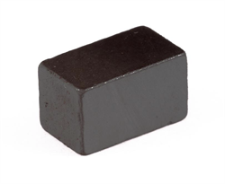 Ферритовый магнит прямоугольник 7х7х12 мм - фото 9012