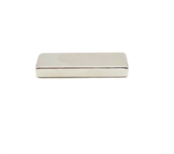 Неодимовый магнит призма 40х10х5 мм - фото 9504